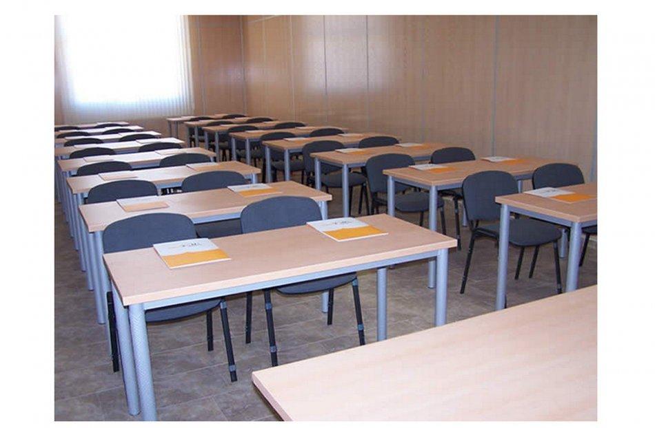 Mesa aulas de formacion reforzada varias medidas for Medidas de mobiliario de oficina
